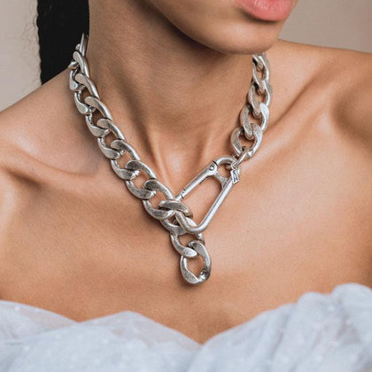 XX. Chunky Curb Chain & Carabiner Clasp Necklace - Silver
