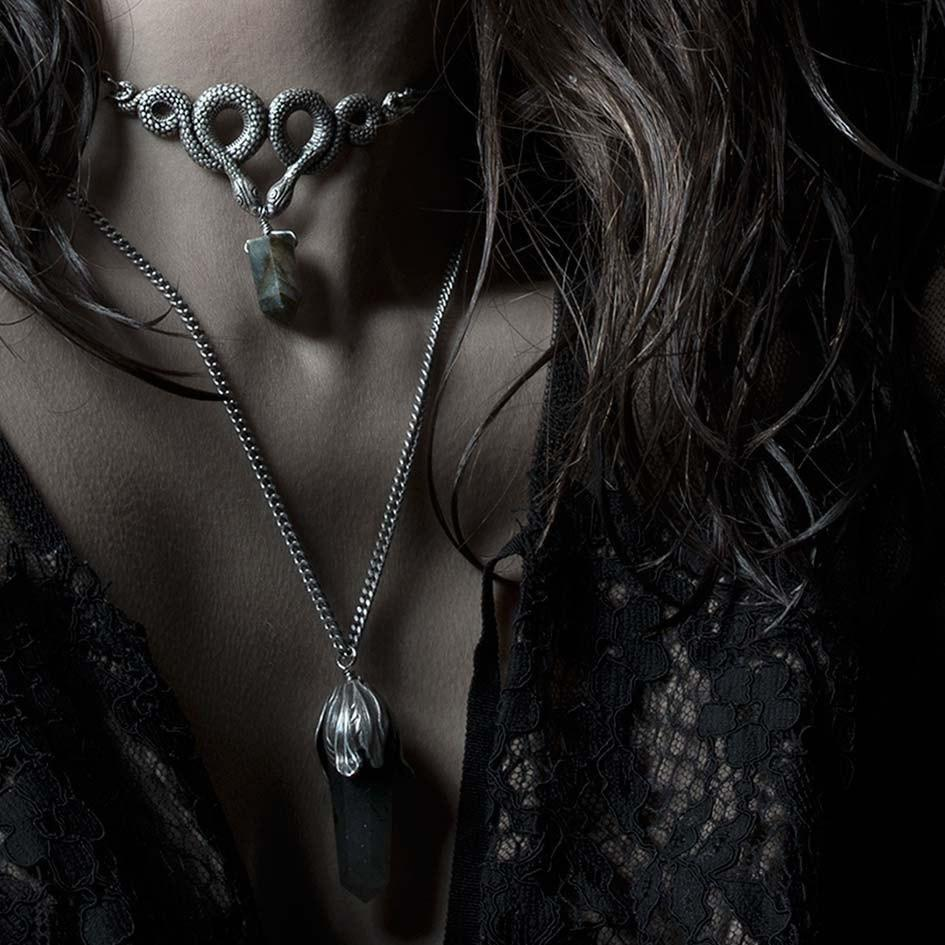 Necklace - A DARK LURE. Snake & Labradorite Gemstone Chain Choker