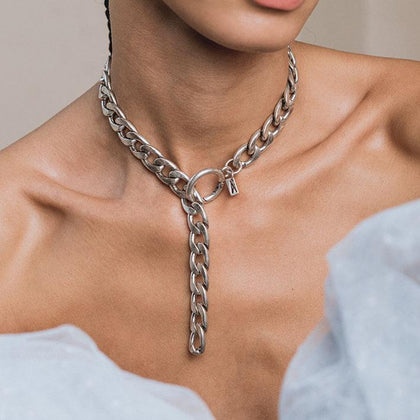 XO. Chunky Chain & Circle Clasp Necklace - Silver