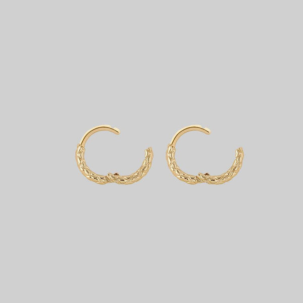 snake skin detailed clicker hoops