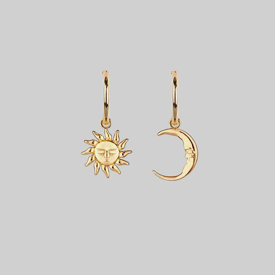 ELIN. Sun & Moon Hoop Earrings - Gold
