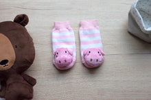 Load image into Gallery viewer, Piggie Boogie Toes Rattle Socks