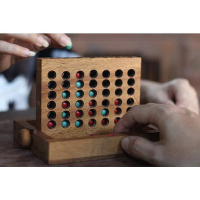 TRADITIONAL WOODEN CONNECT 4
