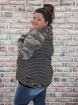 T-Shirt Weight Camo + Stripe Hoodie Sweatshirts Stacked - Fashion for Curves
