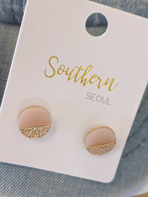 Round Earrings w/Hammered Gold Accents Jewelry southern seoul