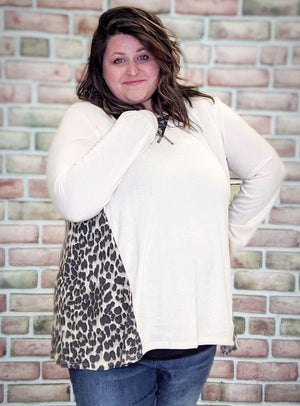 Cream Lightweight Sweater w/Leopard Detail