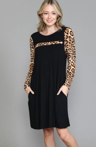 Black T-shirt Weight Dress w/Leopard Accents Dresses voll