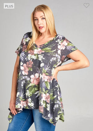 LIGHTWEIGHT FLORAL SHARKBITE TEE Tops emerald
