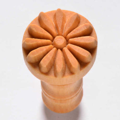 MKM Medium Round Stamp Flower SCM-004