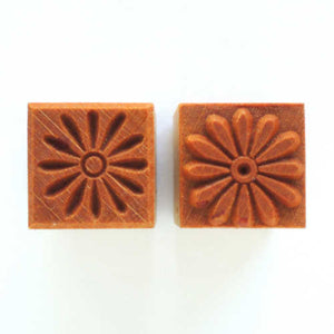 MKM Medium Square Stamp Daisy Ssm-103