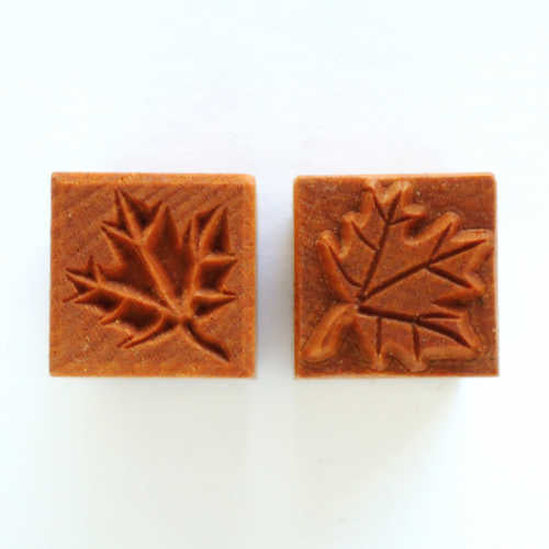 MKM Medium Square Stamp Maple Leaf Ssm-106