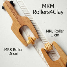 Load image into Gallery viewer, MKM MRL-018 Mini Roller 1 cm Feathered Lines