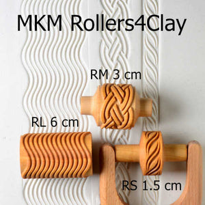 MKM Medium Handle Roller Diagonal & Triangles RM-035