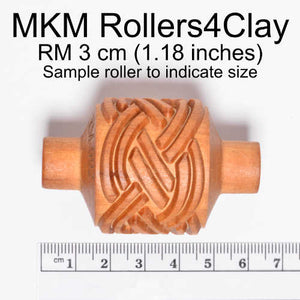 MKM Medium Handle Roller Square Spiral RM-001
