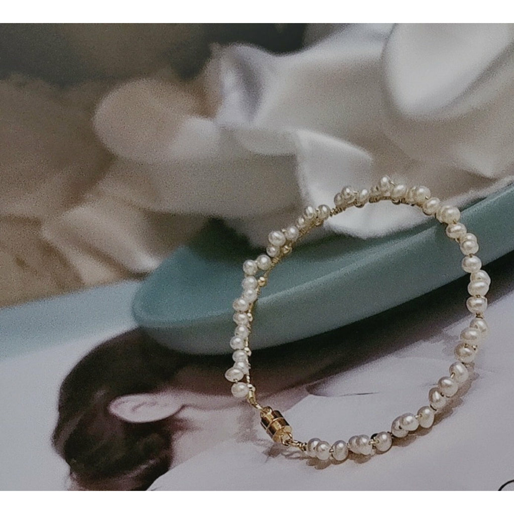 Handcrafted Natural Pearls Bracelet
