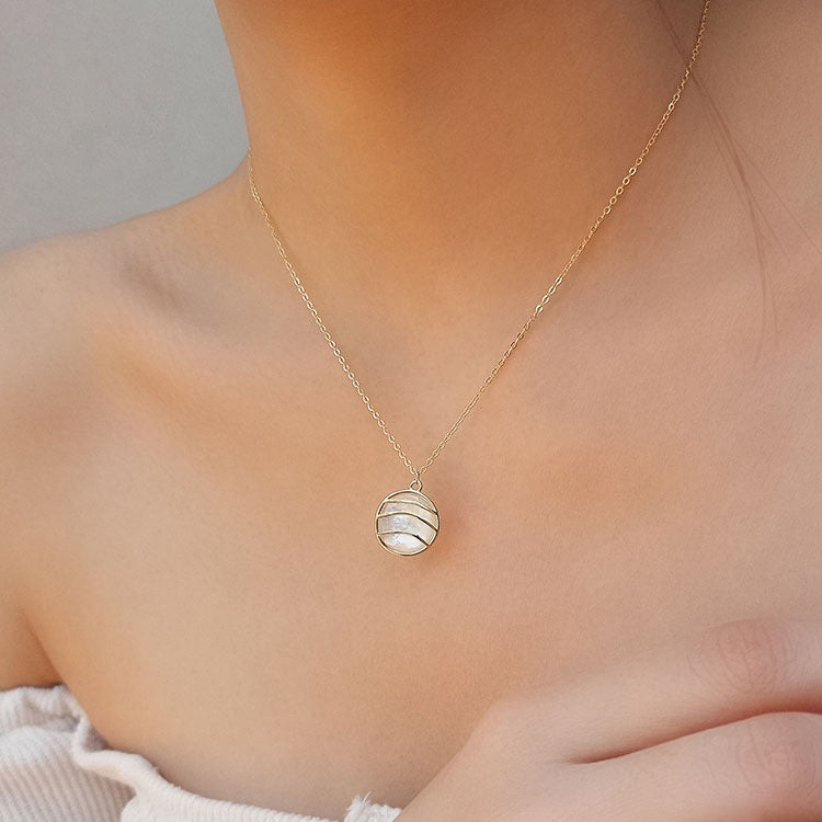French Chic Conch Necklace