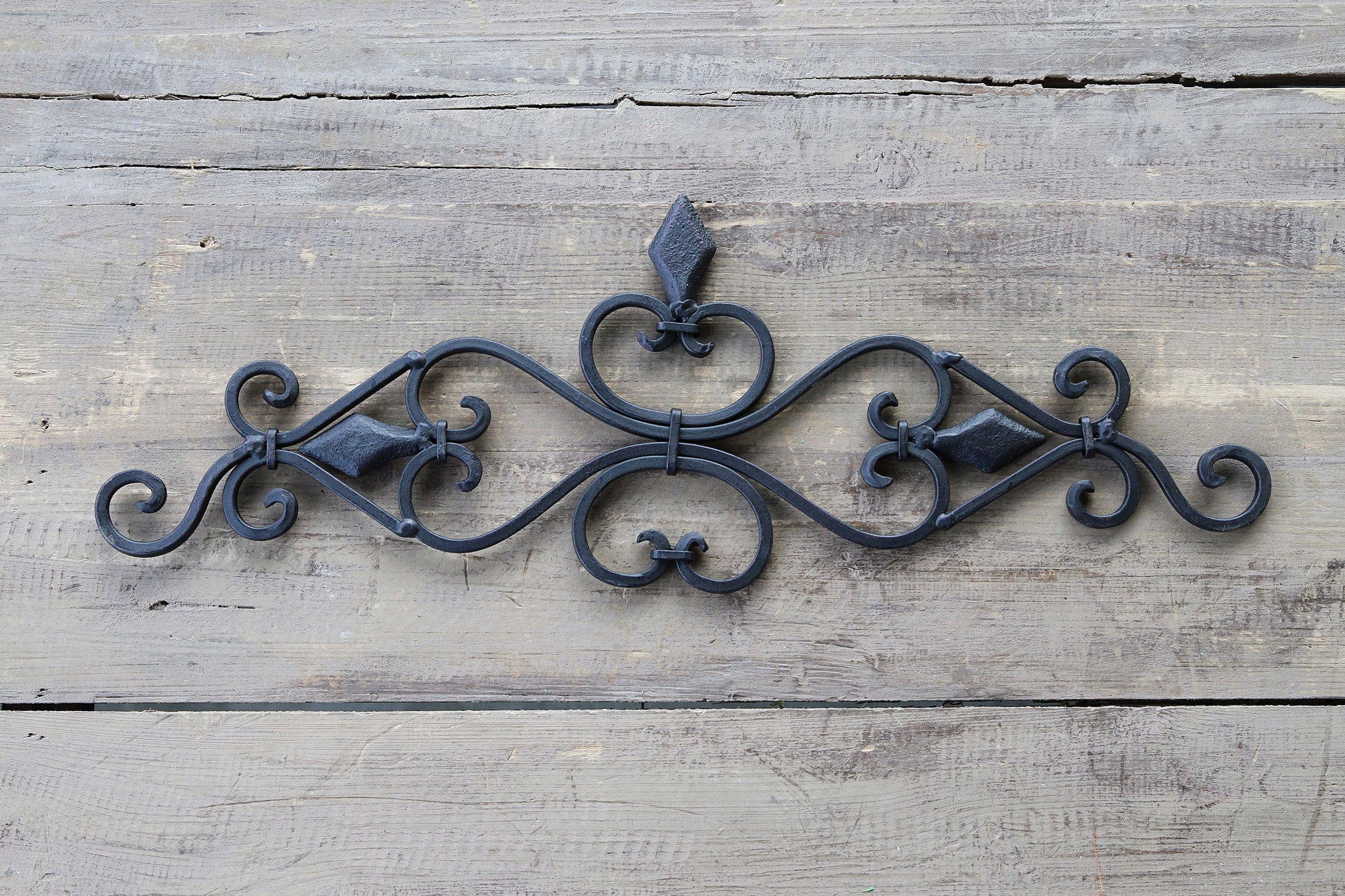 Scrollwork Wall Décor