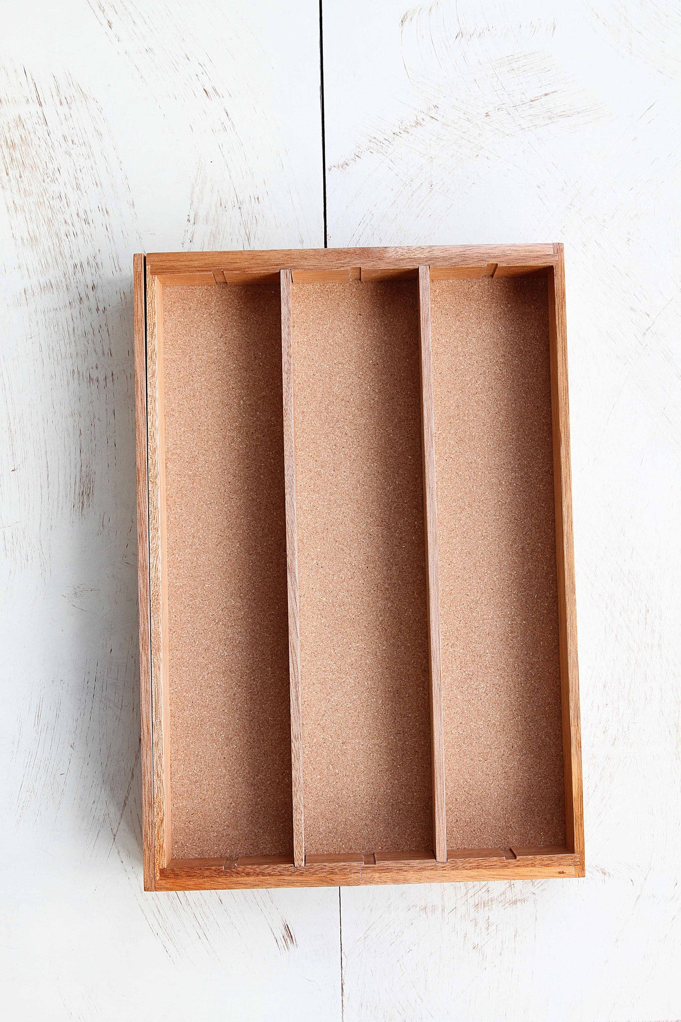 Expandable Drawer Utensil Organizer with Cork Bottom