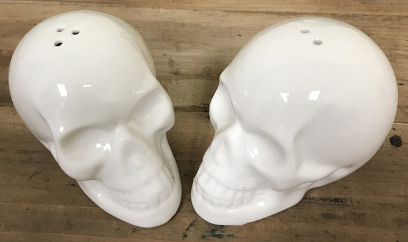 Ceramic Skull Salt & Pepper Shakers!