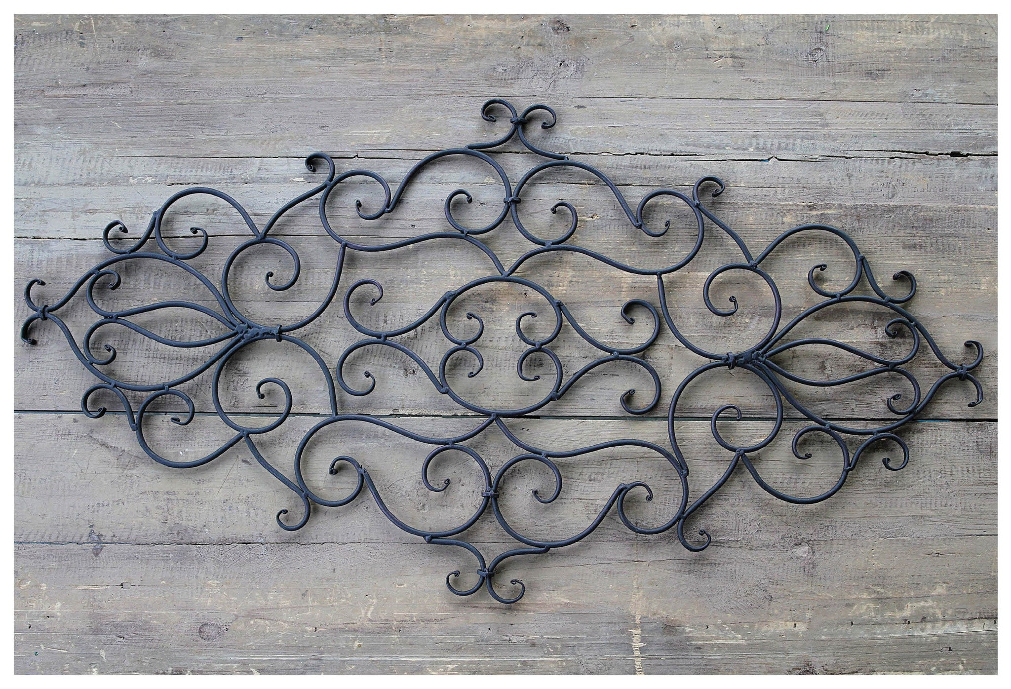 Large Oblong Metal Swirled Wall Décor