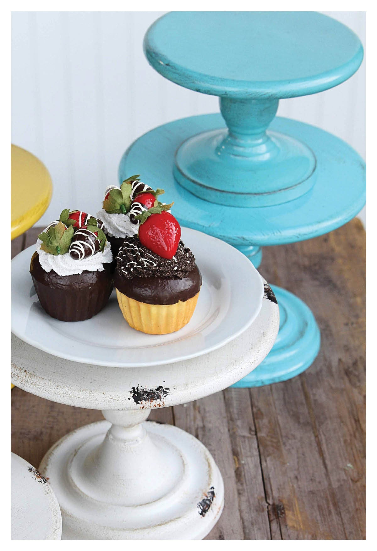 Metal Candle & Cake Stands in 2 Colors