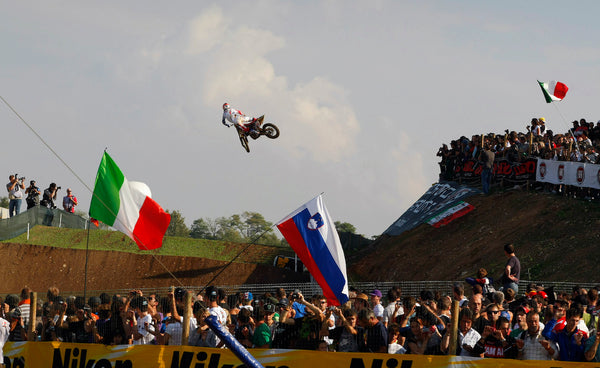 Ryan Dungey at the 2009 MXoN flying through the air
