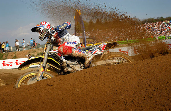 Ryan Dungey at the 2009 MXoN roosting a berm