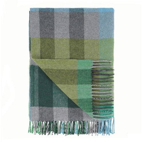 Designers Guild Bampton Emerald Throw - Lavender Fields