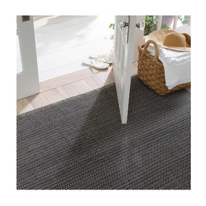 Dash and Albert Herringbone Black/Ivory Indoor/Outdoor Rug
