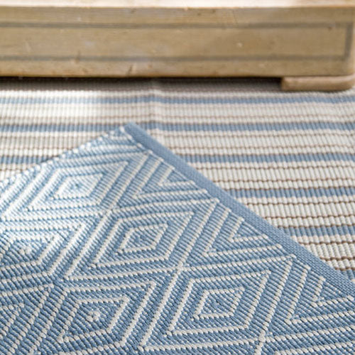 Dash and Albert Diamond Slate/Light Blue Indoor/Outdoor Rug - Lavender Fields