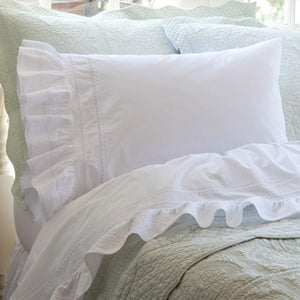 Taylor Linens Elisa Egg-White Pillowcase Set - Lavender Fields