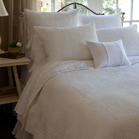 Taylor Linens Grace Egg White Quilt - Lavender Fields