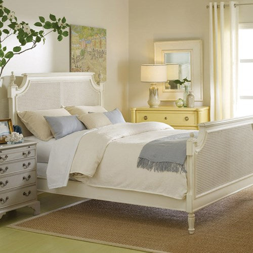 Chateau Bed