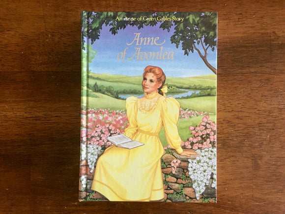 Anne of Avonlea by L.M. Montgomery, Illustrated Junior Library, Clare Sieffert