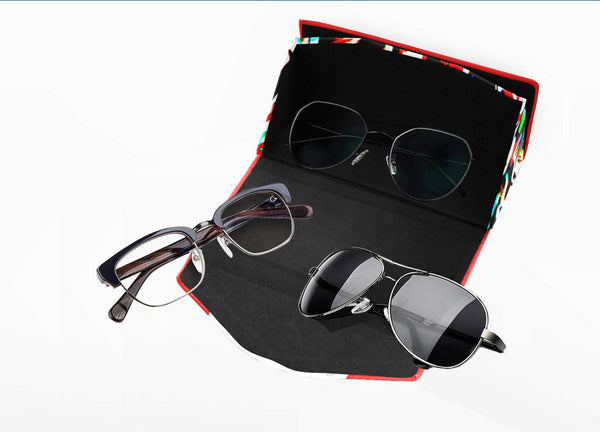WE LOVE! Foldable Glasses Case
