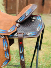 Load image into Gallery viewer, Alamo Saddlery Feather Barrel Saddle