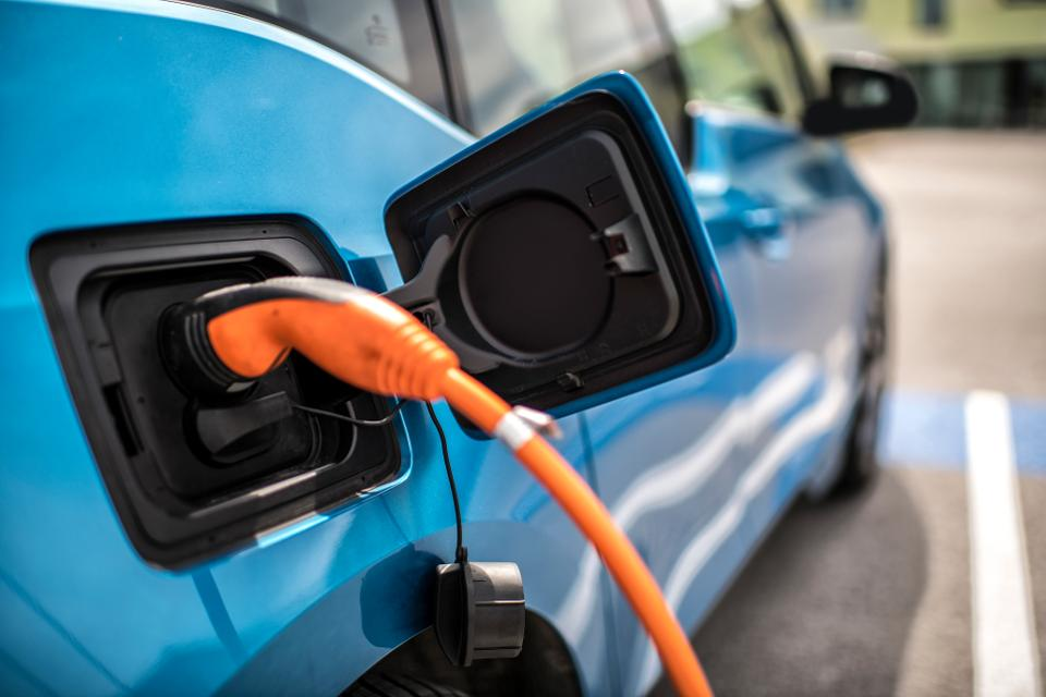Which electric cars can charge 3-phase?