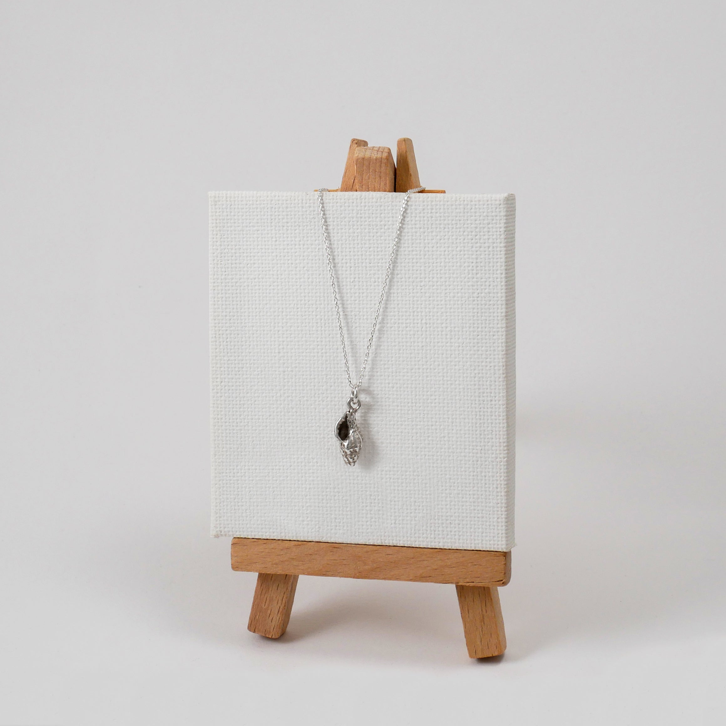 Medium Conch Necklace - Katerina Roukouna