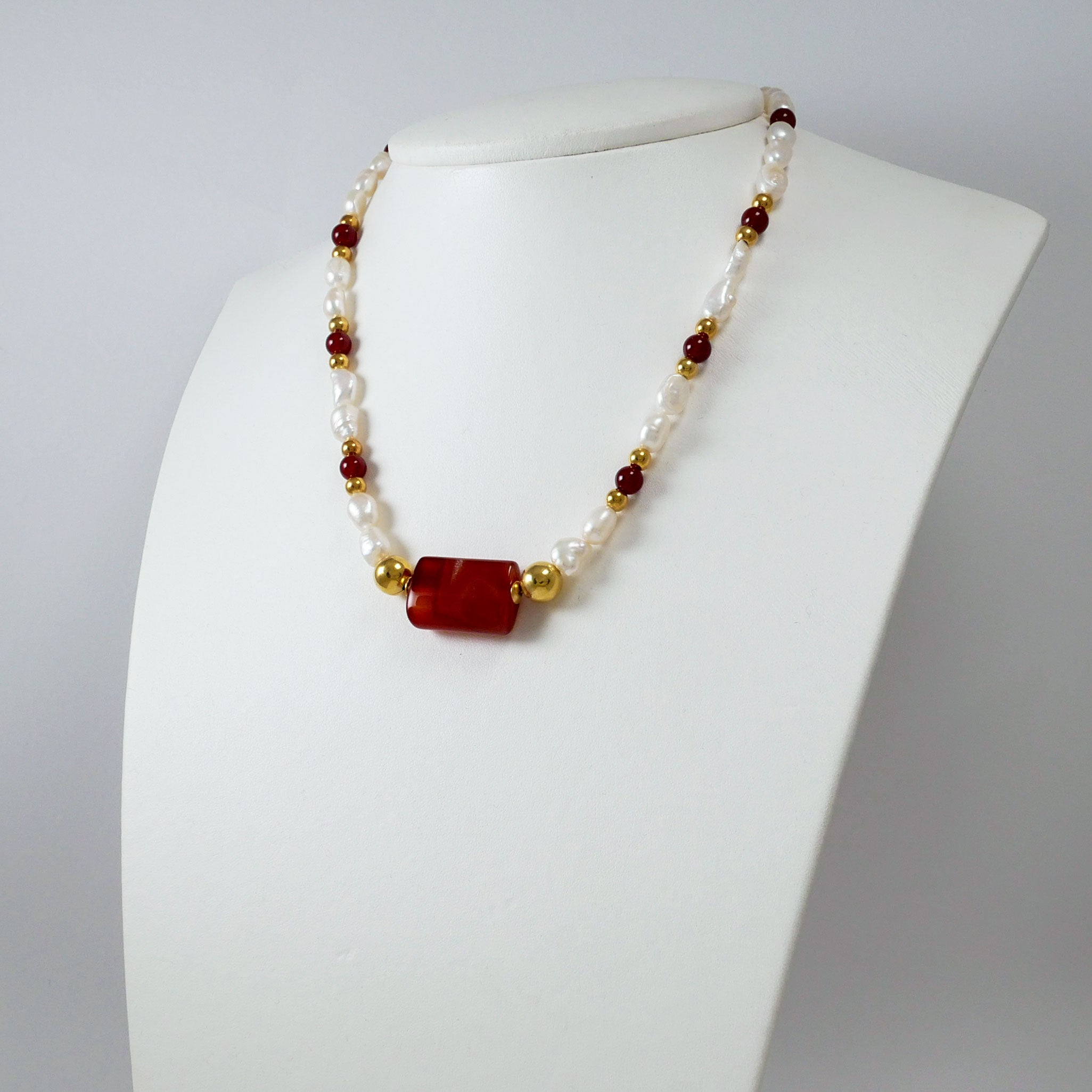 Pearls, Carnelians & Gold Plated Silver Necklace (II)