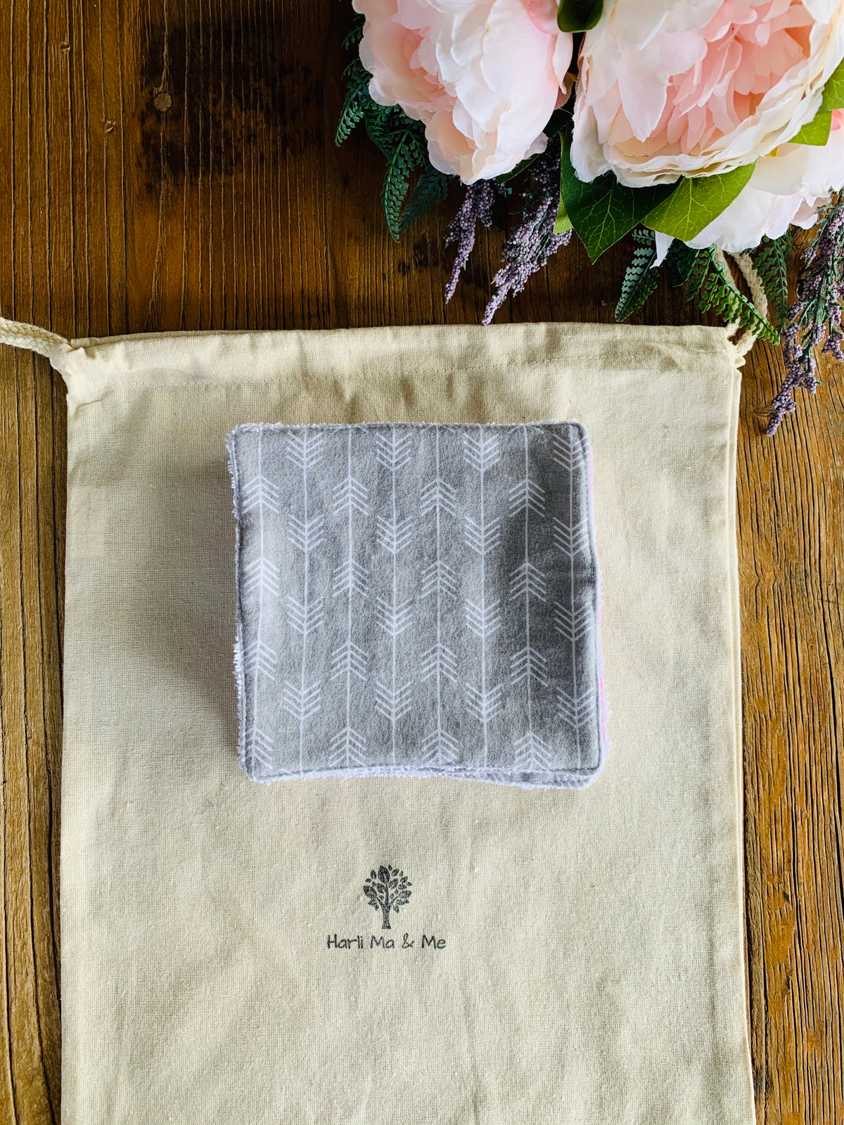 Grey Arrow Cloth Wipes