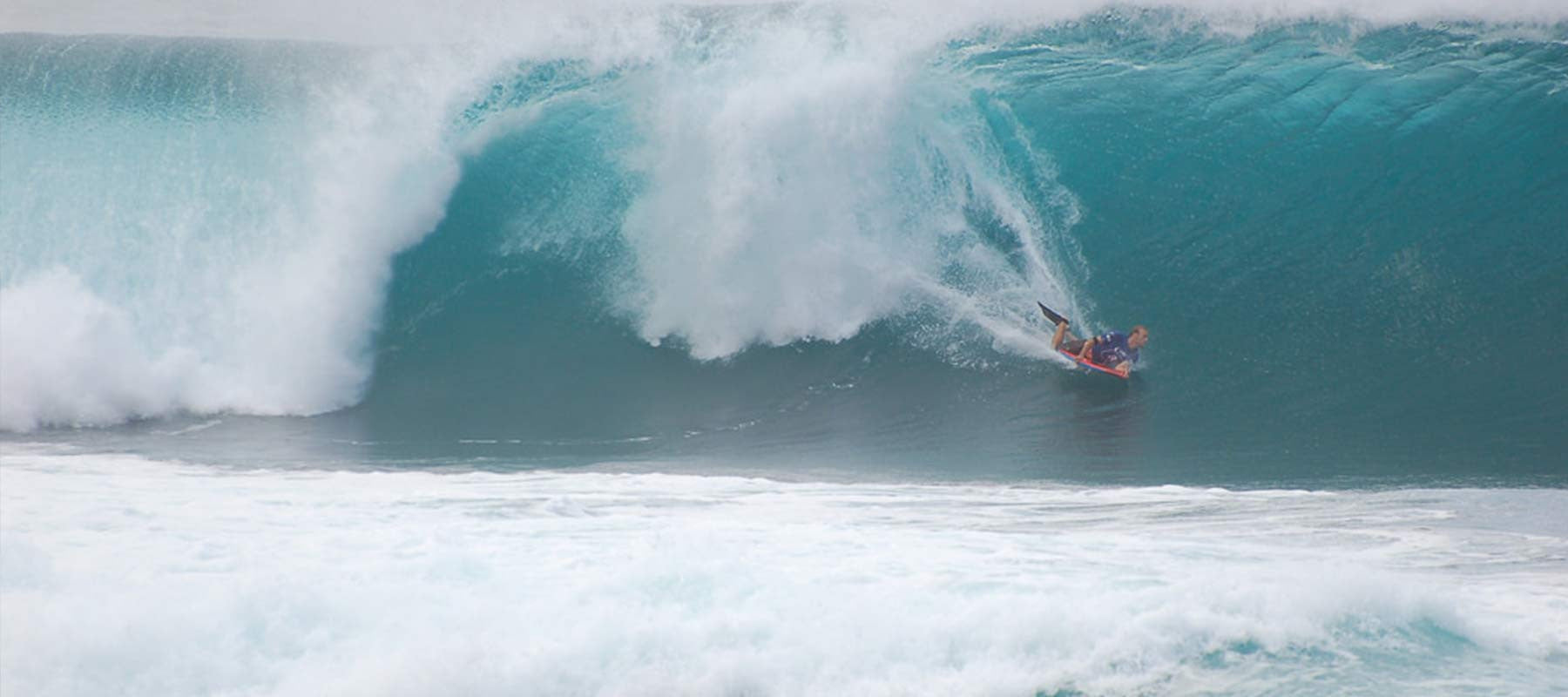 Mike Stewart Crowned 2014 Pipeline Bodysurfing Experience Champion