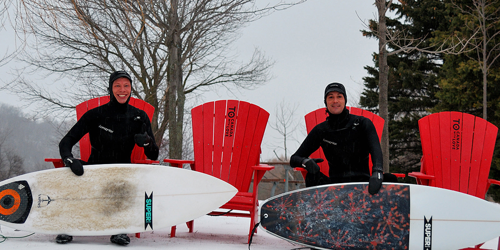 WOW! These Guys Surfed Lake Ontario Toronto in 12Foot Swell, 50 MPH Winds & Freezing Hail