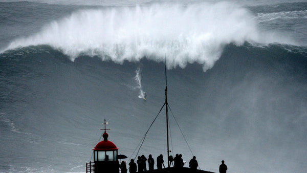 Carlos Burle big wave surfing Nazare Portugal