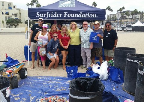 surfrider beach cleanup day in huntigton beach