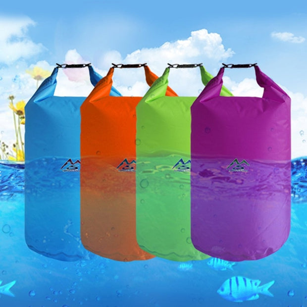 No more worries about your stuff getting wet! Check out these awesome looking waterproof bags ♥