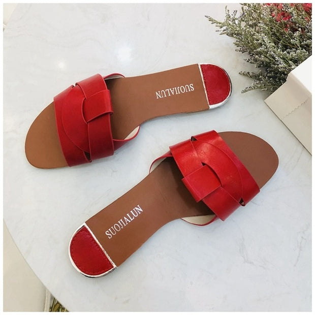 Get that SUMMER FEEL walking on these fashionable Flat Slippers. You'll look GORGEOUS