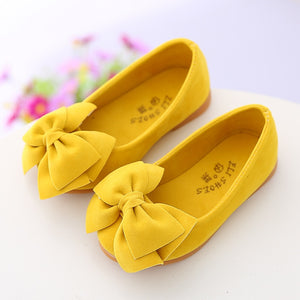 yellow low-heeled girls leather shoes