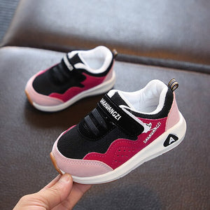 new children's sports shoes