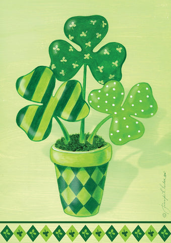 Pot O' Shamrocks Image 1