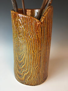 pottery vase with woodgrain texture to look like tree